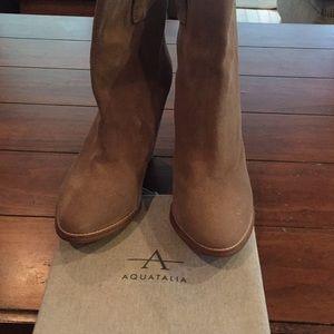 Aquatalia tan suede boots